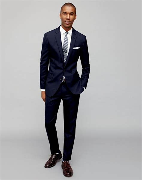 Navy Style j crew shows how to style the navy blazer