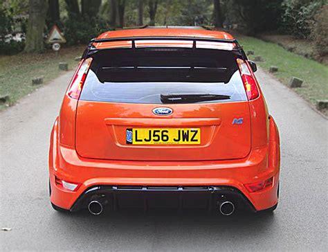 2009 ford focus ses roof spoiler ford focus rs 3 door roof spoiler xclusive customz