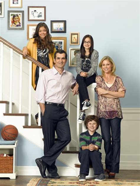 modern family ariel winters as alex dunphy from modern family favorite tv brains worker bees nerds