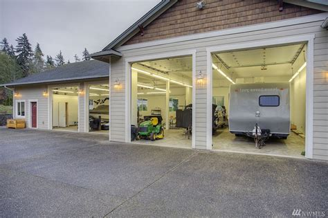 Garage With Shop Beautiful Custom 3 Bedroom Rambler W 3 Car Garage