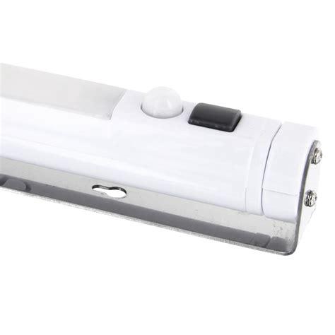 le bewegungsmelder batterie außen led lichtleiste mit bewegungsmelder schwenkbar 360