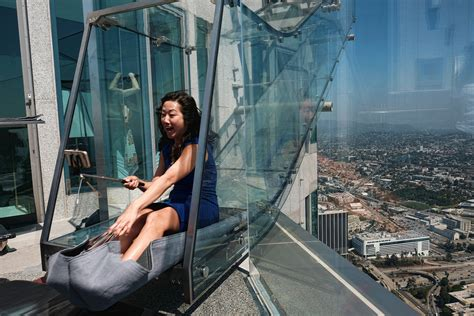 glass slide skyscraper los angeles ca ap reporter takes terrifying trip on