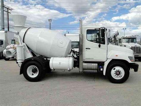 Truck Mixer Hino Bekas new hino 268 3 yard cement mixer truck auto cdl