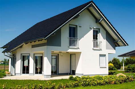 kleines einfamilienhaus kaufen satteldach als l 246 sung f 252 r moderne h 228 user gartenwerk24 de