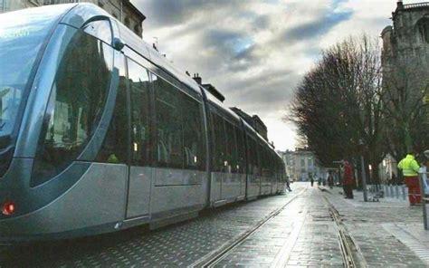 bordeaux exc 233 d 233 e par le bruit dans le tram tente