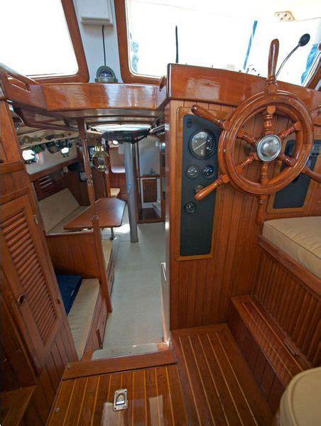 wind   boat izula