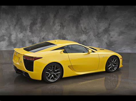 lexus lfa wallpaper yellow 2012 lexus lfa yellow rear and side 2 1280x960 wallpaper