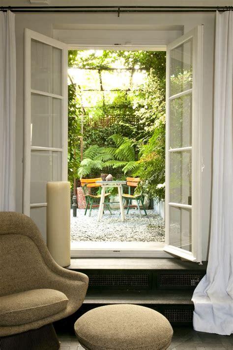 plantas para patio interior un patio peque 241 o con plantas de sombra