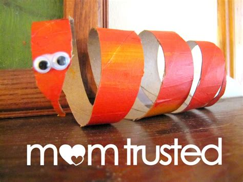 Paper Rolling Craft - spruce up your bathroom with toilet papers