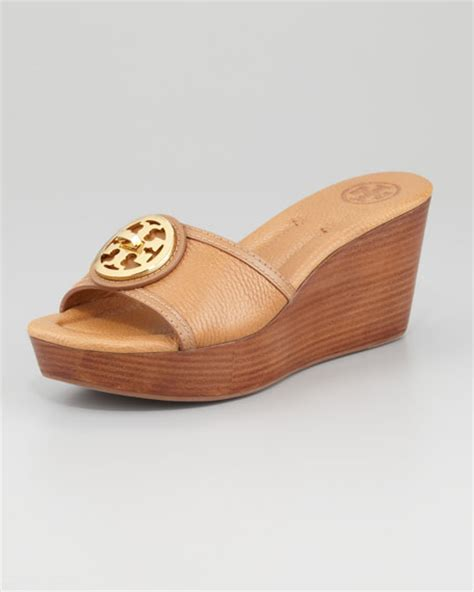 Selma Wedges Beige Moka burch selma logo wedge slide