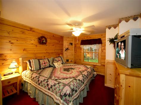 gatlinburg cabins 1 bedroom gatlinburg cabin hugs n kisses 1 bedroom sleeps 4
