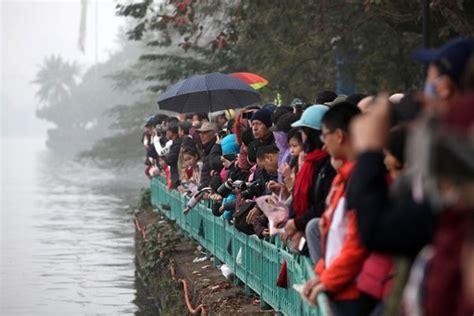 dragon boat racing vietnam hanoi to host annual dragon boat race news vietnamnet