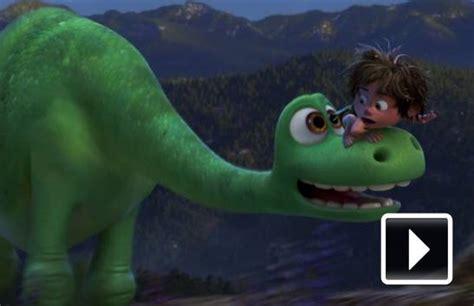 dinosaurus film cz recenze hodn 253 dinosaurus m 233 ně n 225 padit 225 pixarovka
