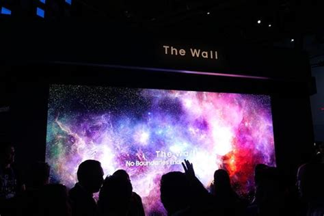 samsung unveils ridiculously large 219 inch tv nicknamed the wall