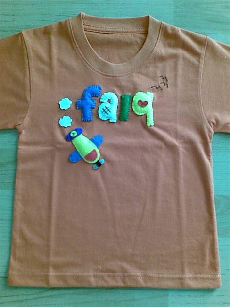 t shirt dengan accesories felt toompankcraft