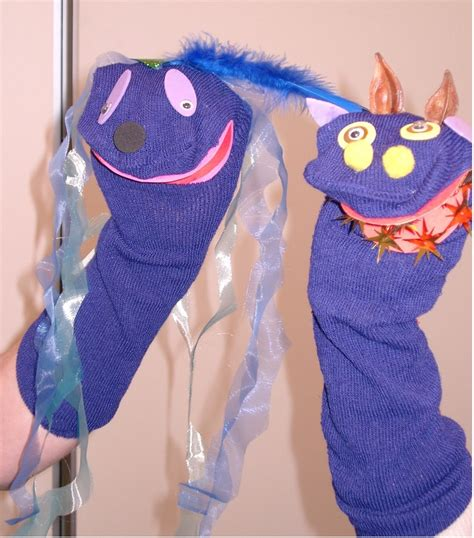 sock puppets with preschoolers puppet diy theater puppet sock puppets