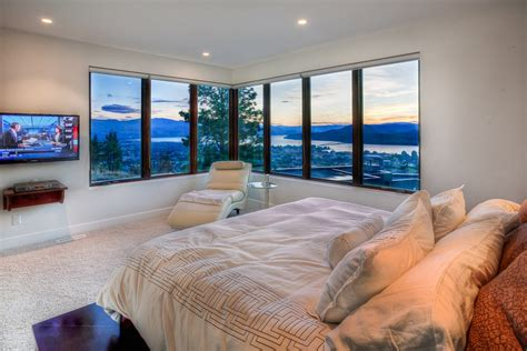 bedroom view bedroom with corner window and amazing city view