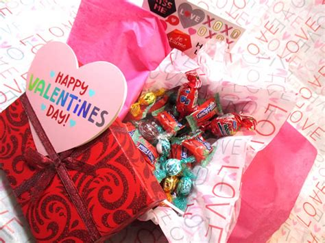 Jlo Hearts Valentines Day Delivery Date by S Day Gift Box Sweet Gift From Funky