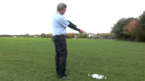 golf single plane swing simplest golf swing to learn best swing if you have back