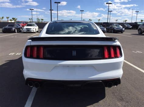 white mustang black roof 2016 ford mustang shelby gt350 white with track pack