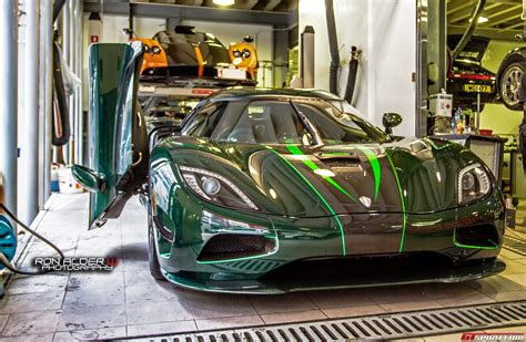 koenigsegg green photo of the day green carbon koenigsegg agera s in hong kong