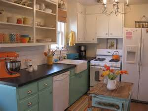 cute style kitchen: white appliances are a great choice for a vintage style kitchen as