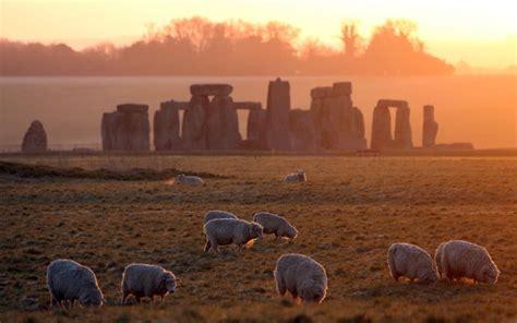 stonehenge  moved  glaciers   prehistoric