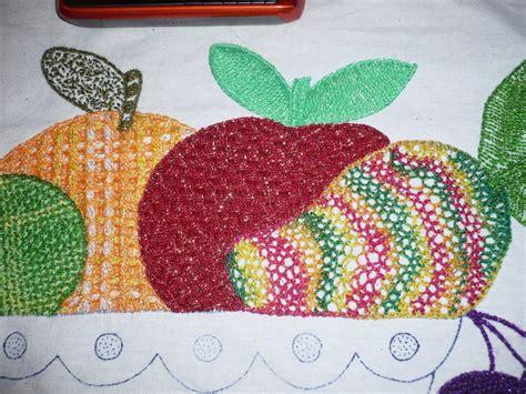 bordados de frutas en servilletas tejyarte bordados de naranja mango y manzana