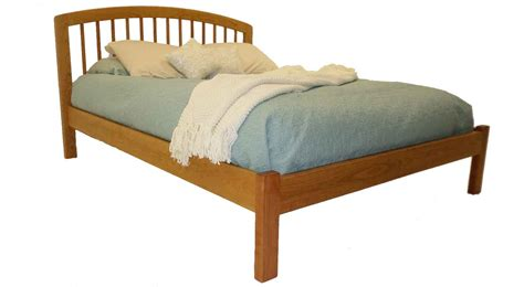 Footboard Bed by Circle Furniture Hanover Bed With Low Footboard Cherry