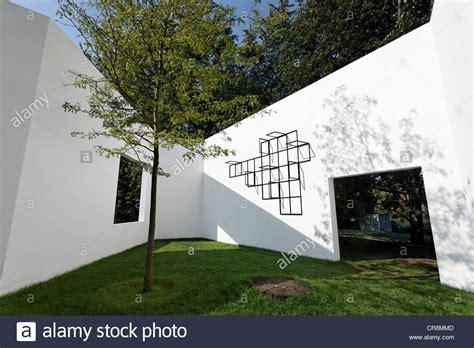 gallery of house h sou fujimoto 8 quot garden gallery quot by sou fujimoto white walls with windows