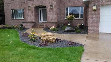 Landscape Rock Hugo Mn Edging Decorative Rock Mulch Plantings And Boulders