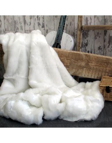 White Throws For Sofas by White Faux Fur Throw Polar Large White Sofa Throw