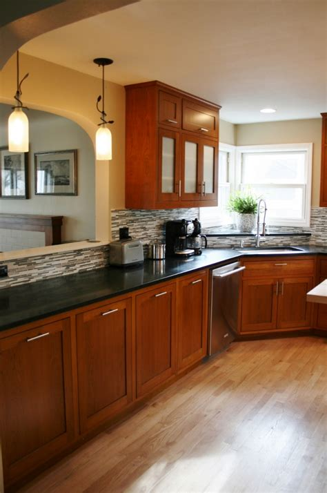 yellow kitchen walls with oak cabinets yellow kitchen walls with oak cabinets