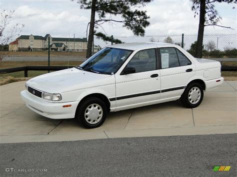 Glacier White 1994 Nissan Sentra Xe Sedan Exterior Photo