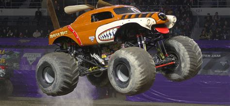the first grave digger monster 100 the first grave digger monster truck the
