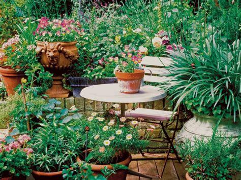 Attrayant Idees Deco Jardin Exterieur #2: amenagememt-terrasse-plante-et-fleur-pot.jpeg