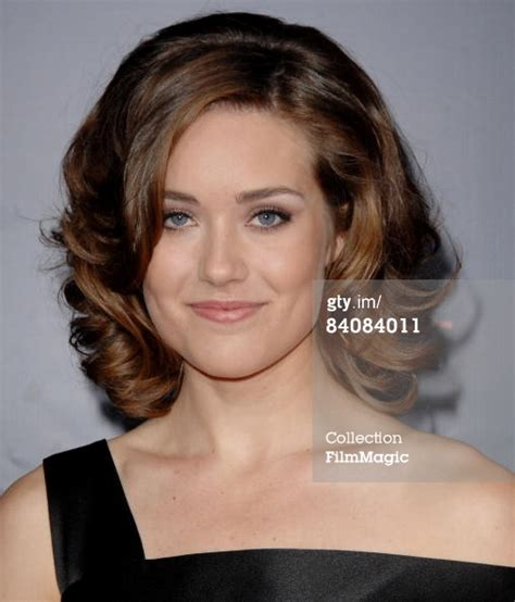 female actress megan boone wear a wig megan boone quotes quotesgram