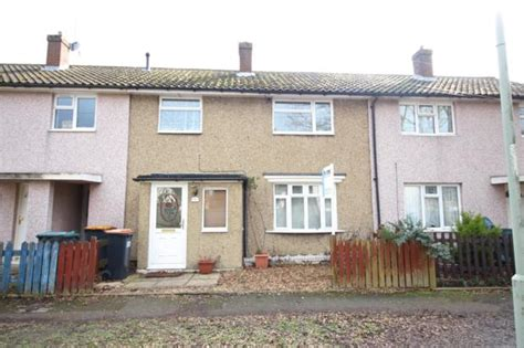 3 bedroom house to rent bedford 3 bedroom terraced house to rent fieldside bedford mk