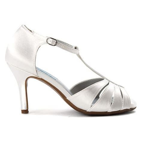 Dyeable Wedding Shoes by 25 Best Ideas About Dyeable Wedding Shoes On