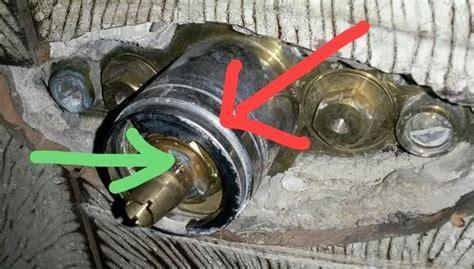 Mischbatterie Dusche Reparieren by Dusche Mischbatterie Ausbauen Bitte Um Hilfe Sanit 228 R