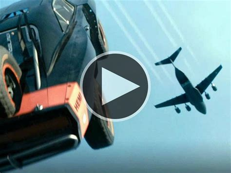 imagenes groseras que carguen rapido lanzan autos de r 225 pidos y furiosos 7 desde un avi 243 n