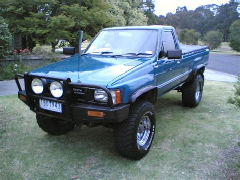 1985 Toyota Hilux Manhyperss 1985 Toyota Hilux Specs Photos Modification