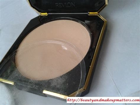 Revlon Touch And Glow Moisturizing Makeup revlon touch glow moisturizing powder gold matte review