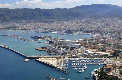 porto palermo portuali in stato di agitazione presidio permanente al