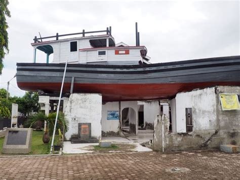 boat on the roof aceh indonesien reisebericht quot banda aceh 17 18 1 quot