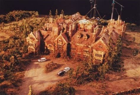 the battle within the ghosts of redrise house books the model used in the steven king tv