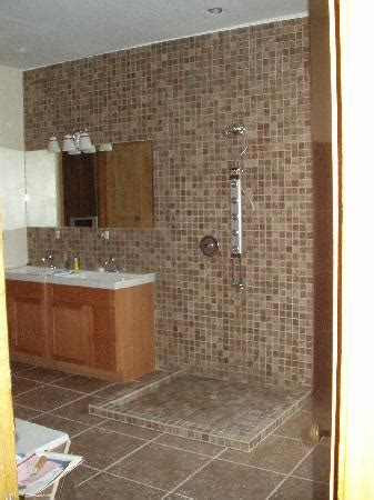 pictures of remodeled bathrooms bathrooms remodeled picture image by tag