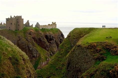 photographing scotland a photo location and visitor guidebook books dunnottar castle travel traveling with krushworth