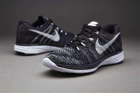 Tas Sepeda Nike sepatu sneakers nike flyknit lunar3 black white