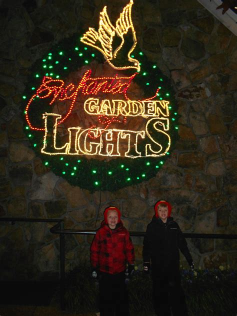 rock city enchanted lights rock city lights up lookout mountain at this